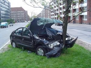 1280px-Car_crash_1 (1)